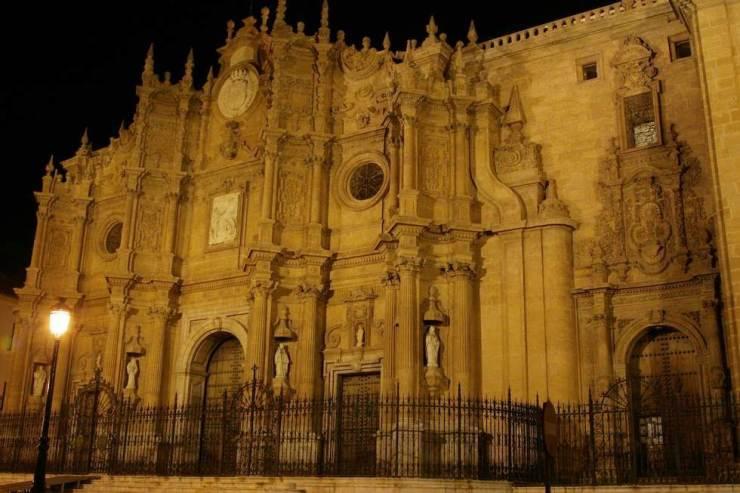 catedral-de-guadix_96924-01